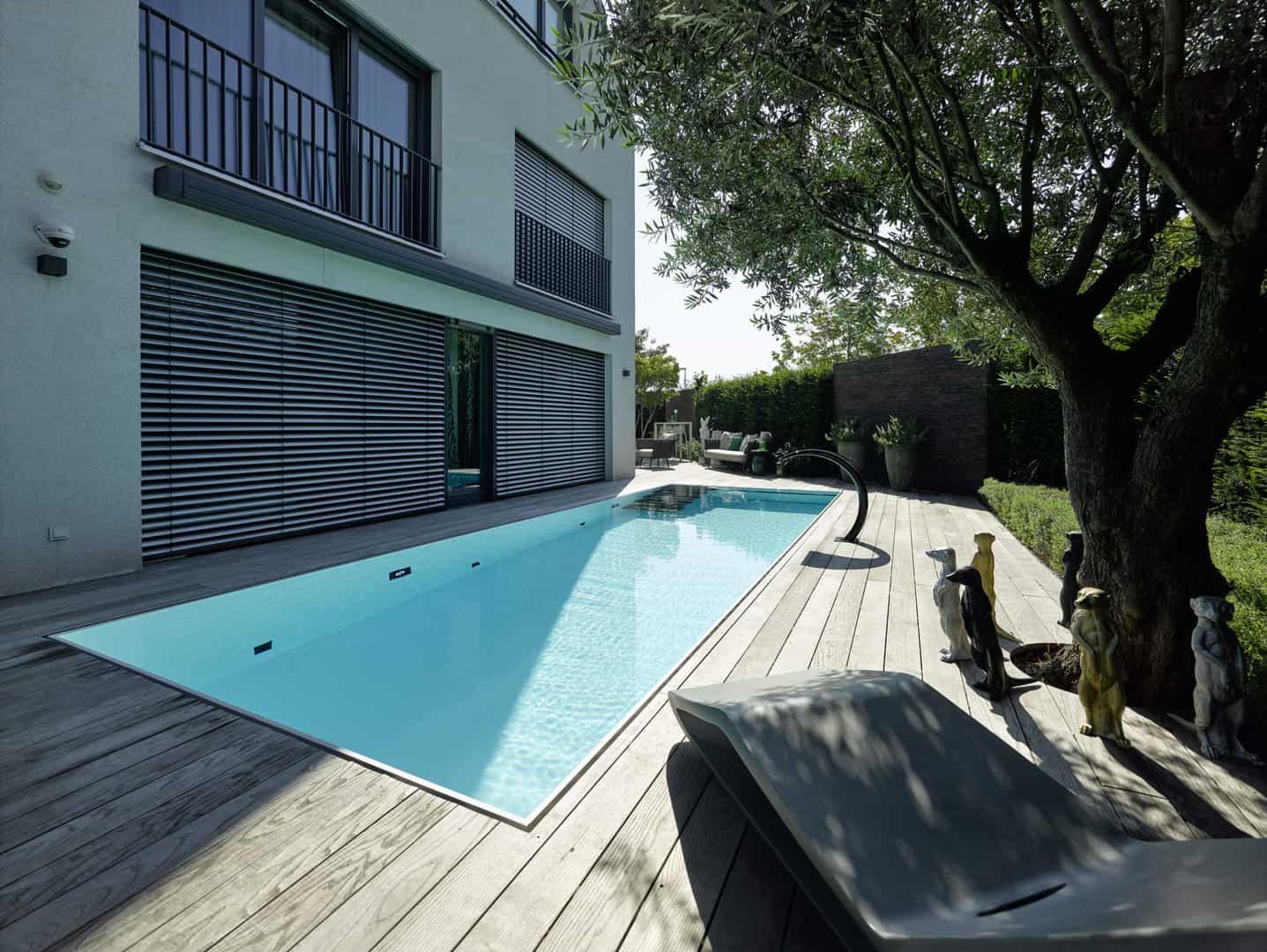 Überlaufbecken & Infinity Pool